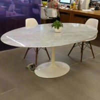 Tulip oval marble table